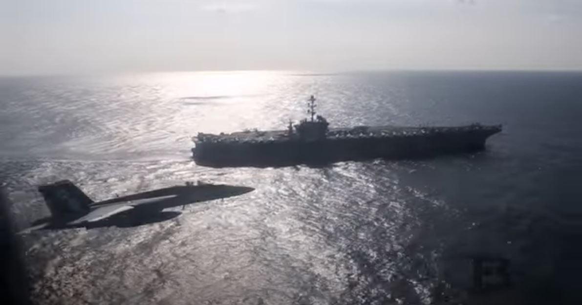 Παιγνίδια των μεγάλων – Ρωσικό αεροσκάφος πλησίασε αμερικανικό αεροπλανοφόρο – Βίντεο