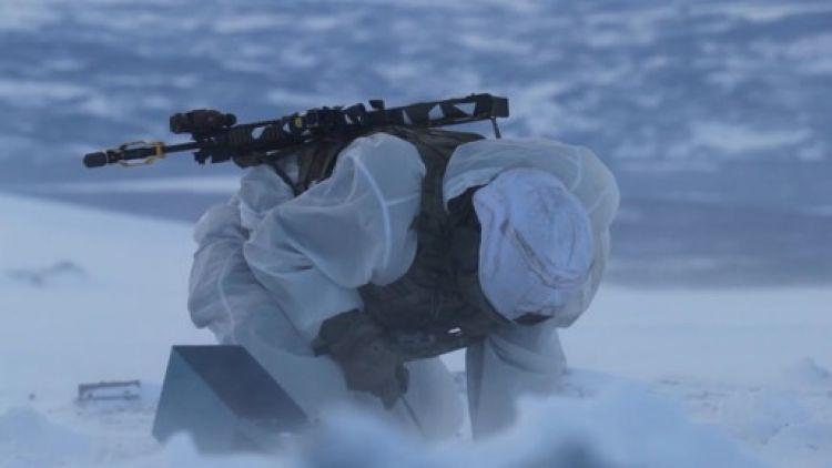 Ψυχρή Απάντηση: Χιλιάδες μέλη των Βρετανικών Ειδικών Δυνάμεων διεξήγαγαν στρατιωτική άσκηση στον Αρκτικό Κύκλο-Απάντηση στην Ρωσία