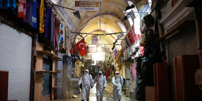 Τουρκία-κορωνοϊός: Η αντιπολίτευση καταγγέλλει τα μέτρα Ερντογάν – Δύο εκατομμύρια έχουν μείνει άνεργοι