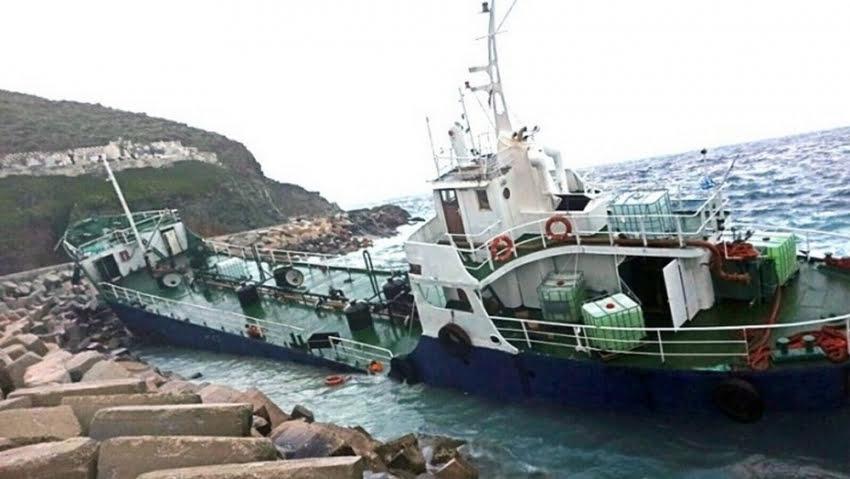 Συναγερμός στις ελληνικές αρχές: Σαπιοκάραβα έτοιμα να μεταφέρουν μετανάστες στα νησιά