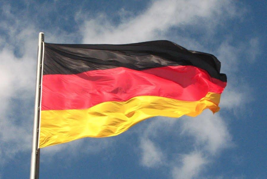 Τι γίνεται εδώ! Όλοι βυθιζόμαστε, το εμπορικό πλεόνασμα της Γερμανίας αυξάνεται!!!