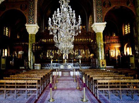 Κοροναϊός : Λειτουργίες κεκλεισμένων των θυρών έως τη Δευτέρα του Πάσχα