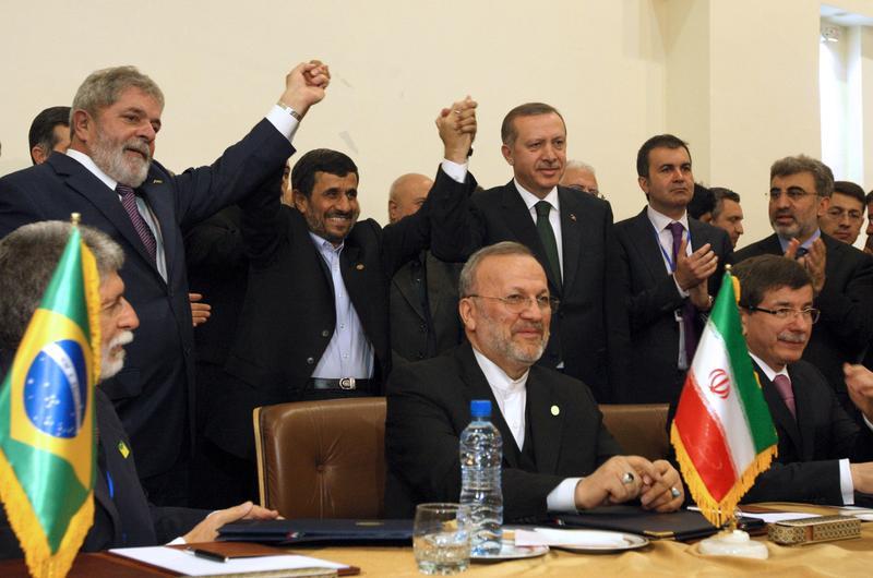 Πρόεδρος της Turkish Airlines: ο Νταβούτογλου υποστήριξε το Ιράν στη συμφωνία για τα πυρηνικά το 2010, παραπλανώντας τον Ερντογάν
