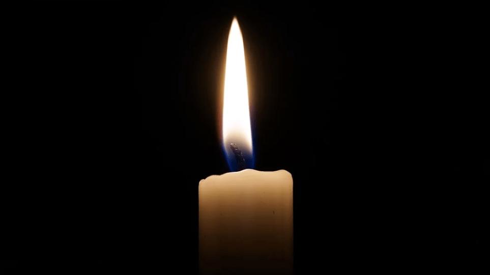Κορωνοϊός – Κύπρος: Ακάθιστος ύμνος στα μπαλκόνια με κεριά