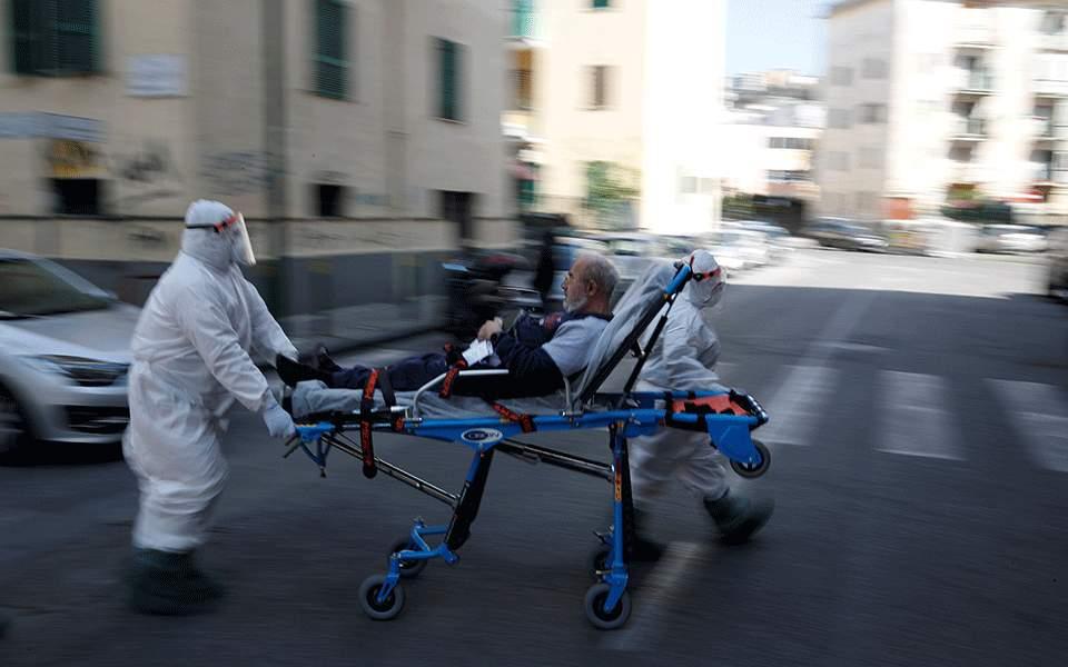Ερευνα σε οίκο ευγηρίας στην Ιταλία για πιθανή απόκρυψη τουλάχιστον 100 θανάτων