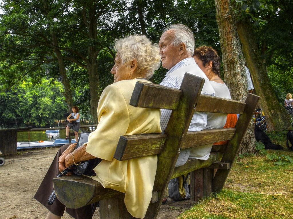 Senicide/Γεροντοκτονία : Θανάτωση των ηλικιωμένων