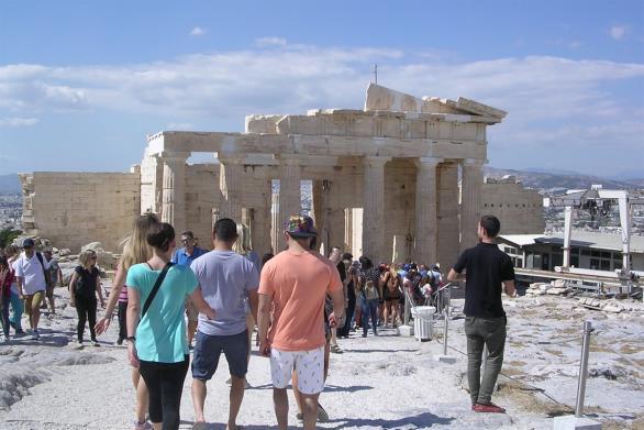 Μια υγειονομικά ασφαλής Ελλάδα και οι επιπτώσεις στην οικονομία