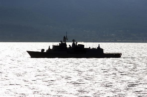 Υπό την προστασία του τουρκικού Π/Ν τα πλοία-φαντάσματα που μεταφέρουν αλλοδαπούς στο Αιγαίο και όπλα στη Λιβύη