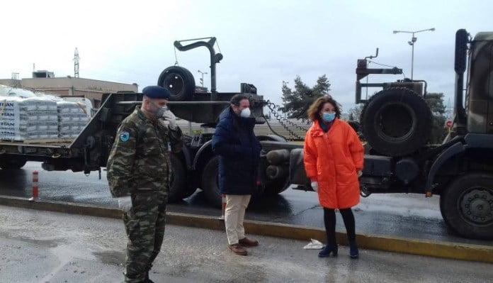 Με πρωτοβουλία της Πατουλίδου 25 τόνοι τσιμέντου στα στρατόπεδα του Έβρου
