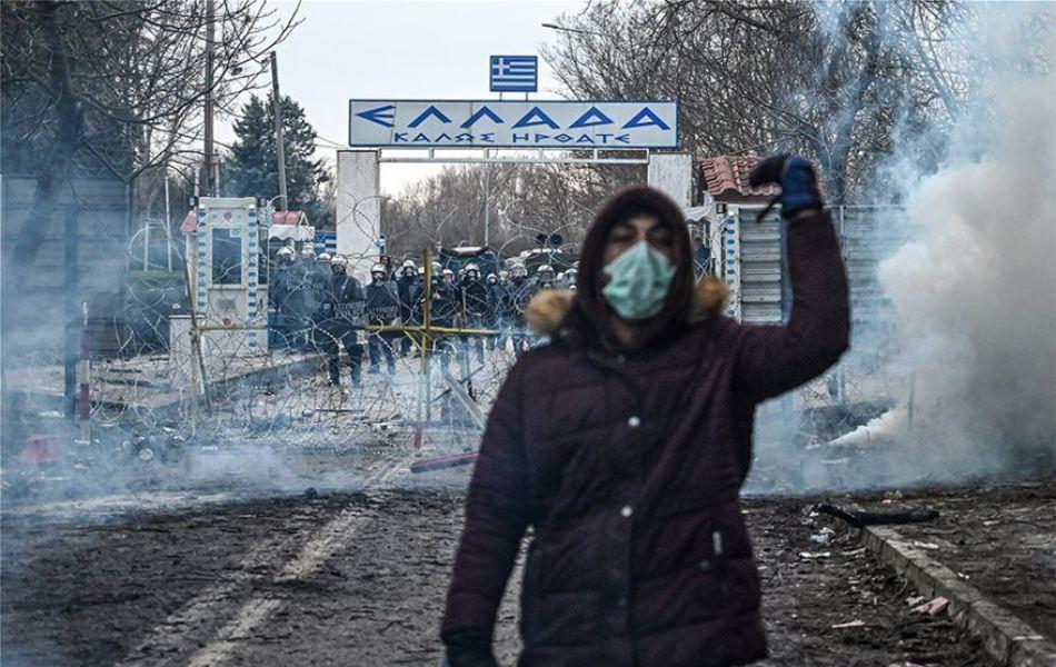 Όταν οι Έλληνες επιτίθενται στην ίδια τους την Πατρίδα, για το θέμα των αλλοδαπών που στέλνει η Τουρκία στην Ελλάδα