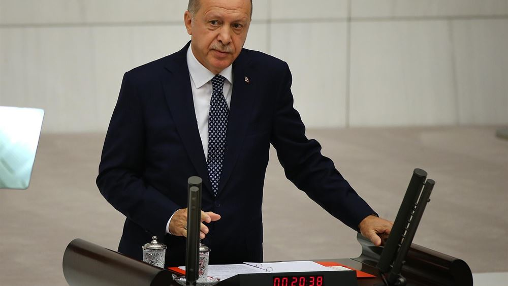 O Ερντογάν κηρύσσει τον πόλεμο στις ξένες τράπεζες