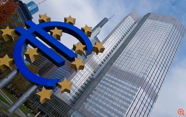 Με ρυθμούς ρεκόρ τυπώνει χρήμα η ΕΚΤ – Πόσα ελληνικά ομόλογα έχει αγοράσει