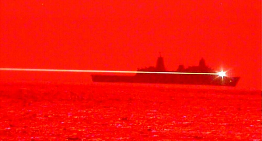 ΗΠΑ: Πολεμικό πλοίο καταρρίπτει drone με λέιζερ σε άσκηση επίδειξης στη θάλασσα – Βίντεο