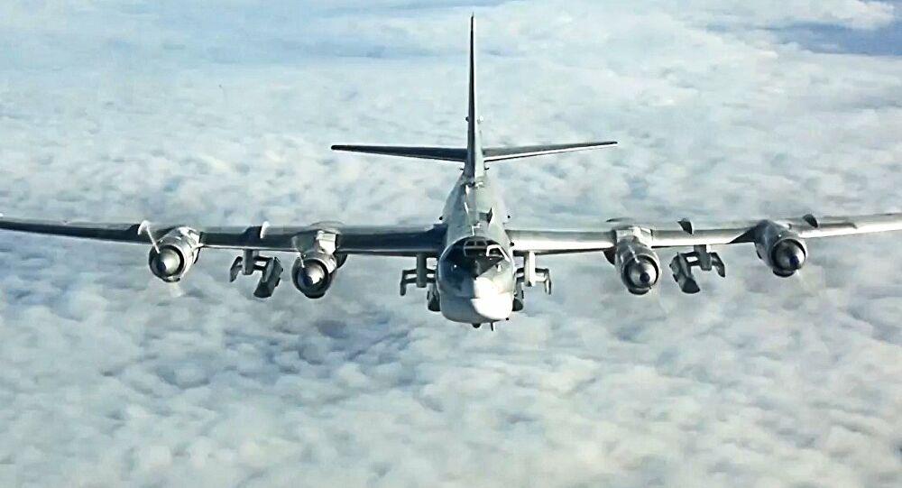 Η εντυπωσιακή απογείωση μιας «Πυρηνικής Αρκούδας»: Το πυρηνικό βομβαρδιστικό Tu-95