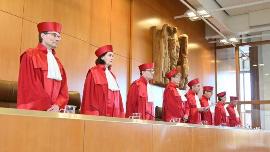 Γερμανία (Καρλσρούη): Αντισυνταγματικό και παράνομο μερικώς το πρόγραμμα (PSPP) της ΕΚΤ – Να μην συμμετέχει η Bundesbank – Tι απαντά η ΕΚΤ
