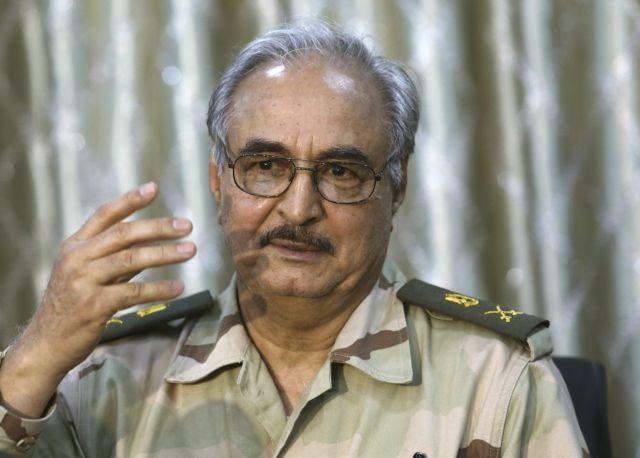 Κλιμακώνεται η ένταση στη Λιβύη – Ανταλλαγή απειλών μεταξύ Χαφτάρ και Ερντογάν
