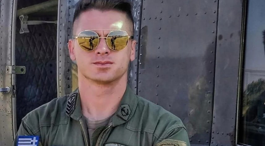 """Από τα ελικόπτερα της Αεροπορίας Στρατού στα γήπεδα! Η πρωτοποριακή ιδέα """"ιπτάμενου"""" υπαξιωματικού και τερματοφύλακα"""