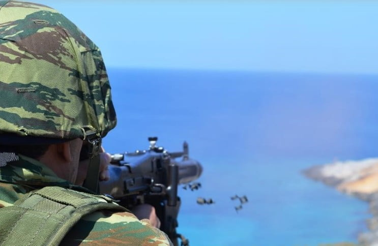 Ασπίδα απέναντι στις τουρκικές προκλήσεις: Σε φρούρια μετατρέπονται τα φυλάκια του Έβρου και των ακριτικών νησιών – Με drones η εναέρια επιτήρηση