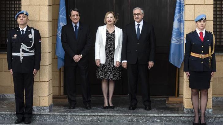 Οι «κακές συμβουλές» και το πάρτι σε βάρος Κυπριακής Δημοκρατίας