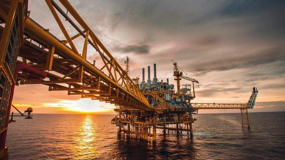 """Υποχωρεί η τιμή του πετρελαίου -η ανησυχία για την Κίνα """"ψαλιδίζει"""" τα εβδομαδιαία κέρδη"""