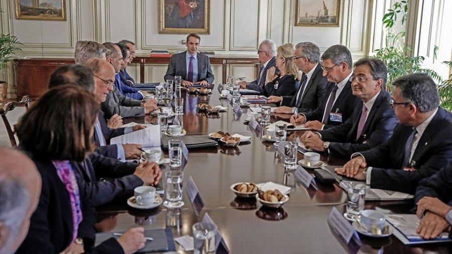 Πρόθεση να διοχετεύσουν 25 δισ. στην αγορά εκδήλωσαν οι τράπεζες στη σύσκεψη με τον Πρωθυπουργό – Παραίνεση Μητσοτάκη να επιταχύνουν