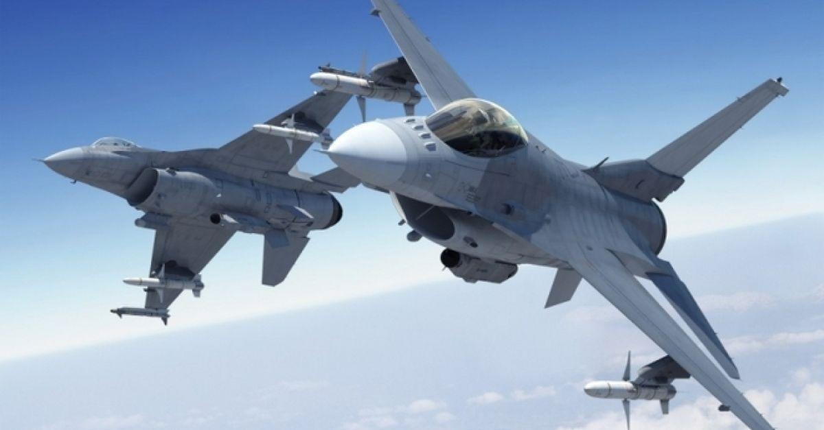 Ελληνικά F-16 πέταξαν μαζί με βομβαρδιστικά B-1B Lancer πάνω από τα Σκόπια