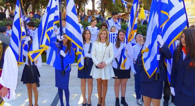 Η απουσία ηρωικών προτύπων προετοιμάζει γενιές ηττημένων Ελλήνων…