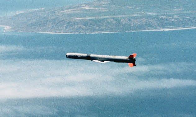 Η Boeing υπέγραψε δύο συμβόλαια για την παράδοση πάνω από 1.000 πυραύλων στη Σαουδική Αραβία