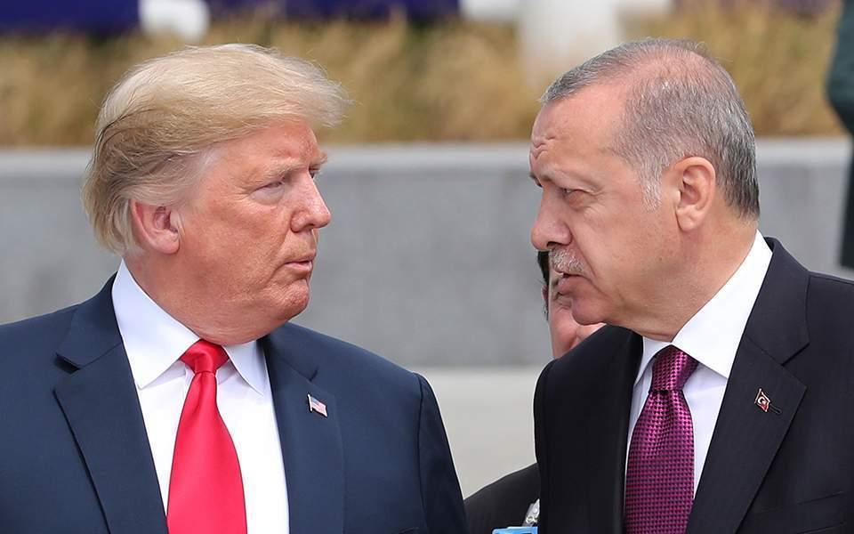 Τηλεφωνική επικοινωνία Τραμπ – Ερντογάν για Λιβύη και Συρία