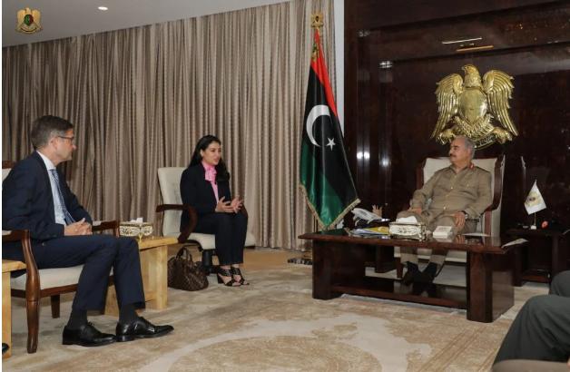 ΕΚΤΑΚΤΟ: Συνάντηση του Γερμανού πρέσβη στην Λιβύη με τον στρατάρχη Χαφτάρ