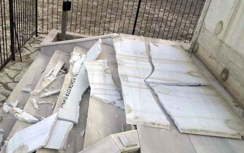 Βανδάλισαν το μνημείο του Θεόδωρου Κολοκοτρώνη στο Ραμοβούνι του Δήμου Οιχαλίας