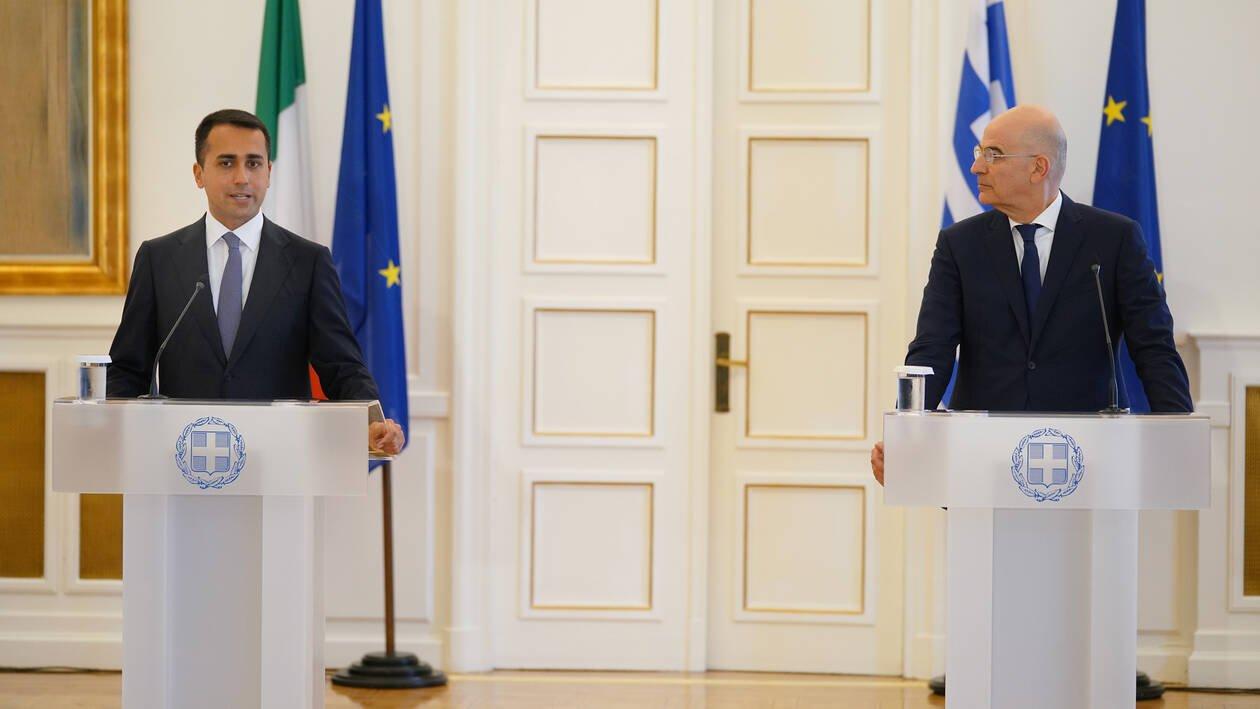 Παντελής Σαββίδης: Η συμφωνία με την Ιταλία αναφέρει το δικαίωμα της Ελλάδας να επεκτείνει τα χωρικά της ύδατα στα 12 μίλια
