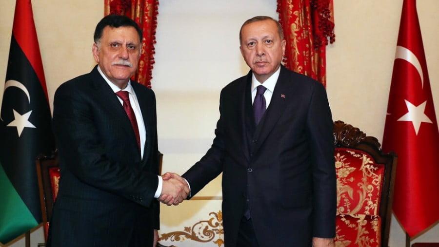 Συνάντηση… κορυφής Σαράζ με Ερντογάν – Στο στόχαστρο η Ελλάδα και ο στρατάρχης Χαφτάρ