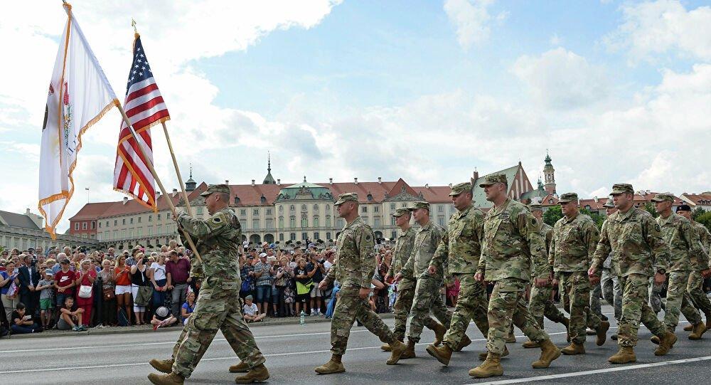 Οι ΗΠΑ εξετάζουν τη μεταφορά δεκάδων F-16 στην Πολωνία