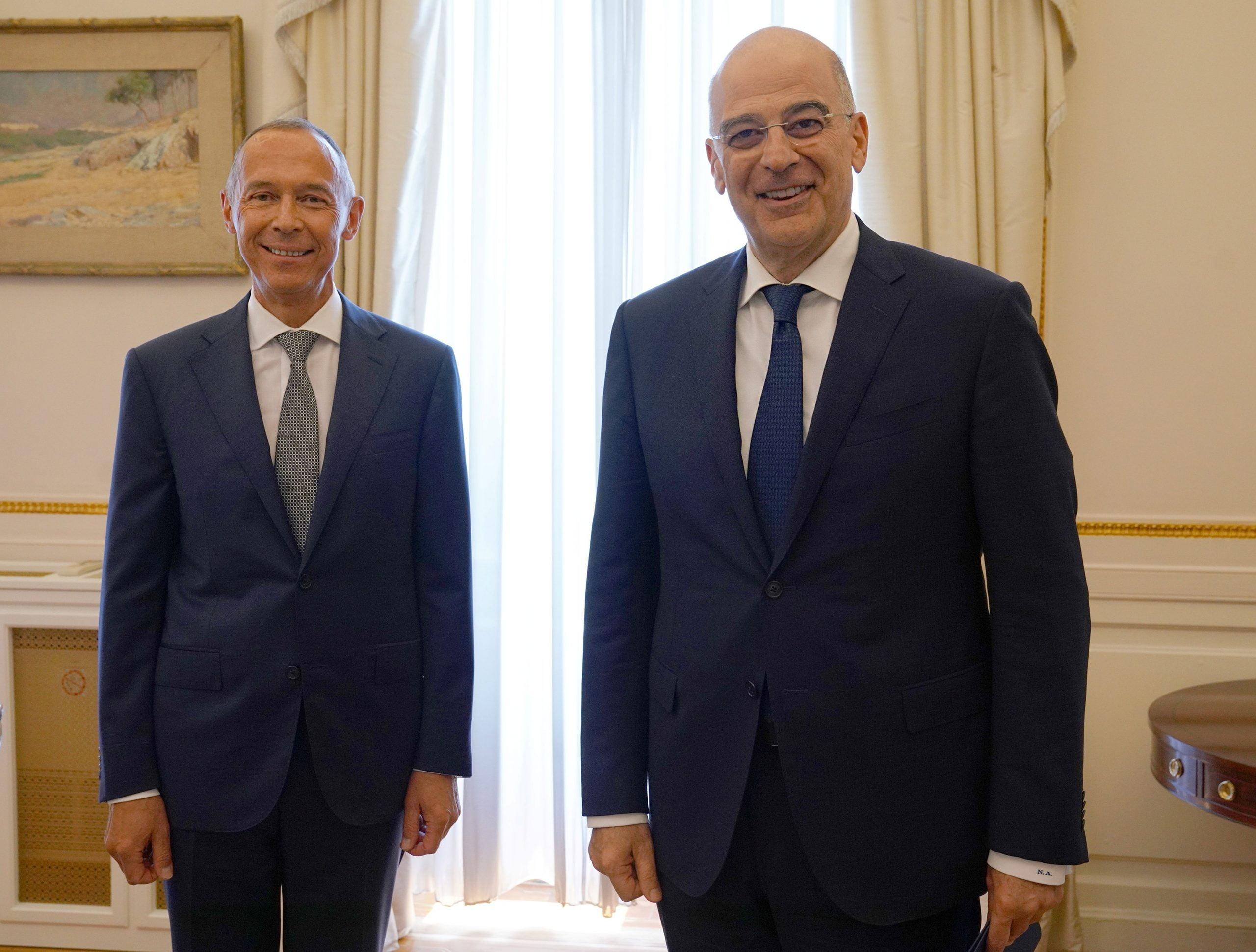 Συνάντηση Δένδια – Ρώσου πρέσβη στην Αθήνα: Τι συζητήθηκε