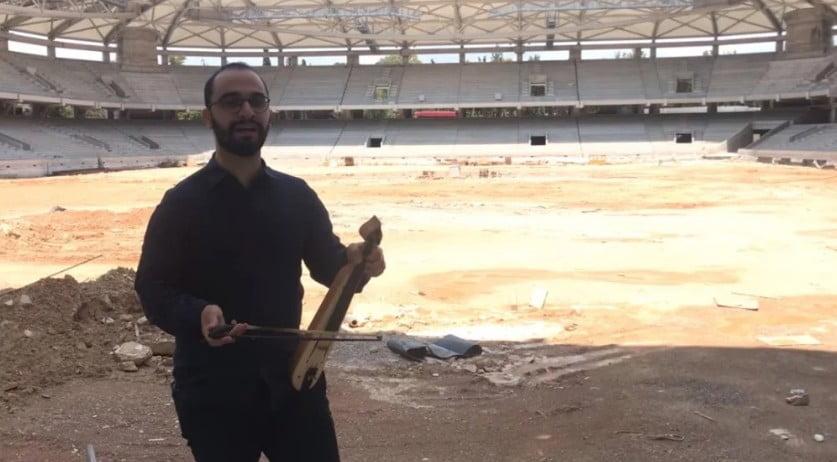 """""""Θα είναι καμίνι η Αγιά Σοφιά"""" λέει ο λυράρης που έπαιξε κεμεντζέ στο γήπεδο της ΑΕΚ"""