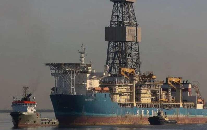 Η χώρα με τα μεγαλύτερα αποθέματα πετρελαίου έχει μείνει πια με μόνο μια εξέδρα