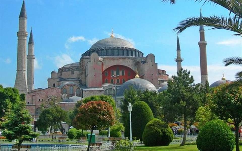 Τούρκος υπ. Δικαιοσύνης: Η Αγία Σοφία πρέπει να ανοίξει ως τζαμί