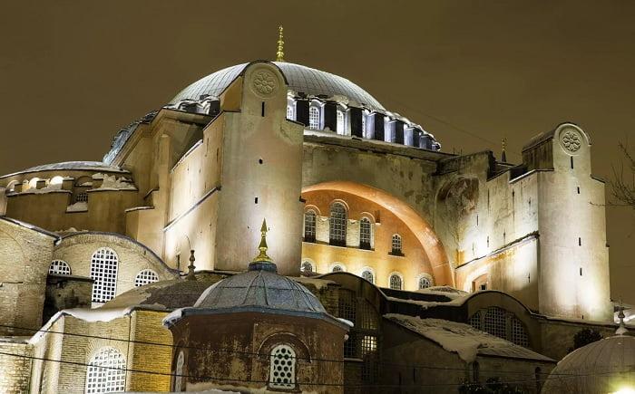 Στις 2 Ιουλίου η απόφαση για το αν θα γίνει τζαμί η Αγιά Σοφία
