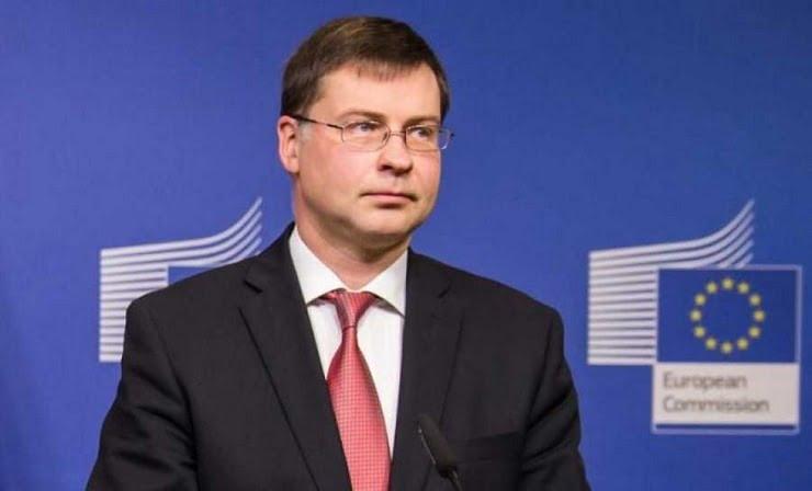 Β. Ντομπρόβσκις: Δεν θα έχουν ειδικούς όρους τα 32 δισ. προς Ελλάδα