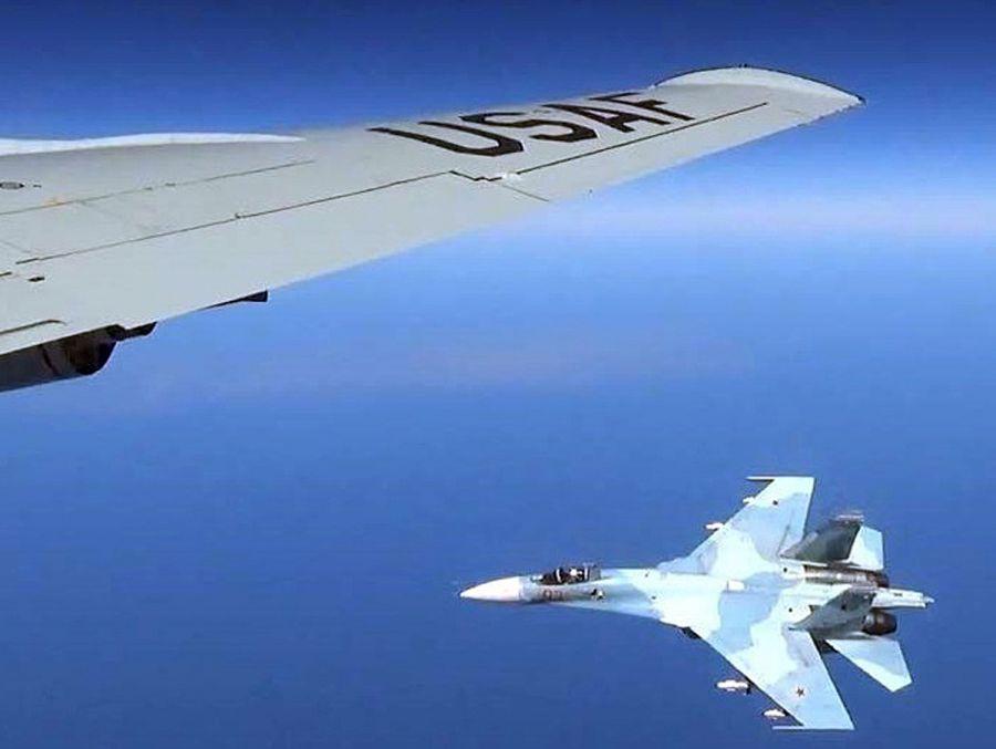 Ρωσικό μαχητικό τζετ απομάκρυνε κατασκοπευτικό αεροσκάφος των ΗΠΑ πάνω από τον Εύξεινο Πόντο