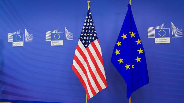 Οι ρωγμές στη σχέση Τραμπ – Ευρώπης μετατρέπονται σε χάσμα
