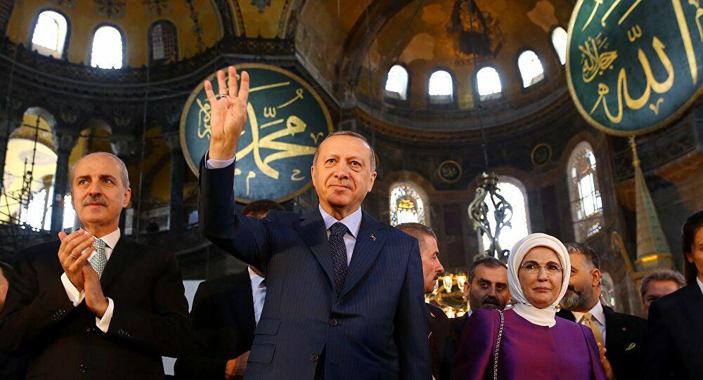 Μετατροπή της Αγίας Σοφίας σε τζαμί – Ποια τα κίνητρα του Ερντογάν και πώς μπορεί να αντιδράσει η Ελλάδα;