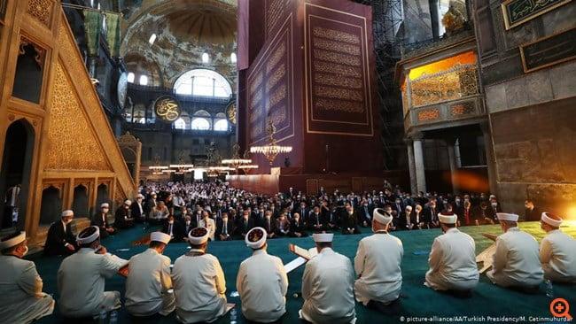 Welt: Ο Χριστιανισμός μπορεί να αντέξει τη μετατροπή της Αγίας Σοφίας σε τζαμί