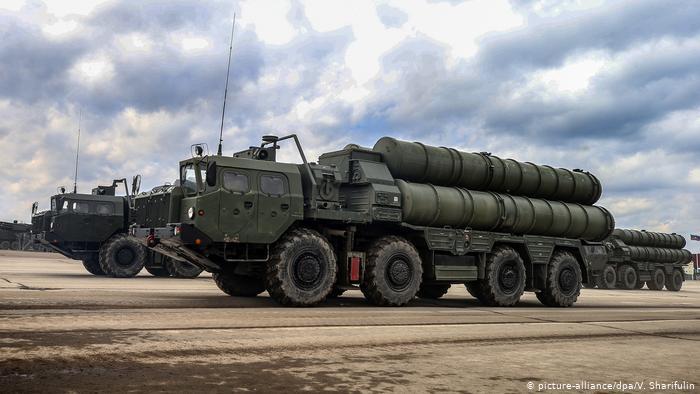 Στη φάκα των S-400 Ερντογάν και ΗΠΑ – «Κωμικοτραγικό να πιστεύουν οι ΗΠΑ ότι μπορούν να αγοράσουν S-400 από την Άγκυρα»