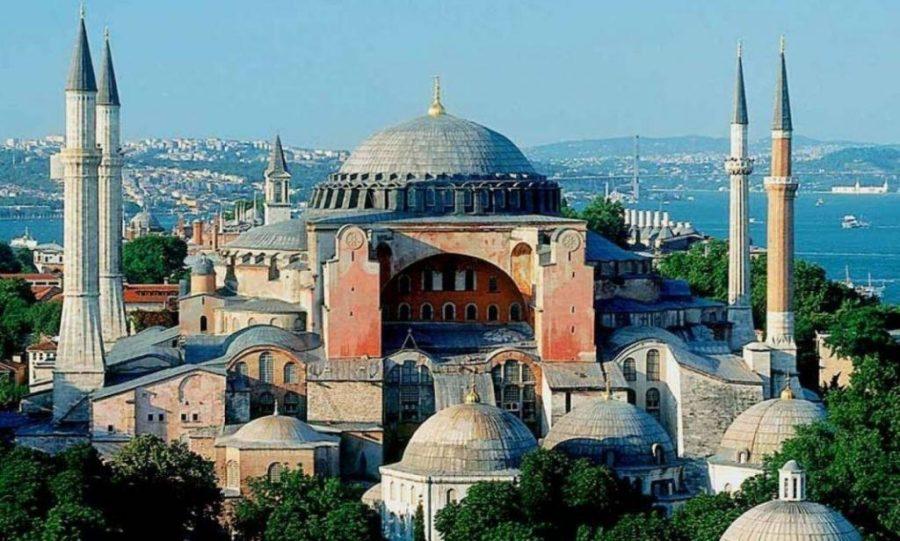 Ο Ερντογάν, ο Huntington και η Δύση που έγινε μιναρές στην Αγία Σοφία