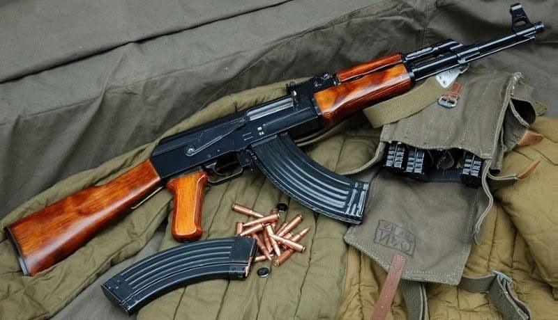 Καλάσνικοφ ΑΚ-47: Αμερικανικό περιοδικό καταρρίπτει τους μύθους για το απόλυτο πυροβόλο – Βίντεο