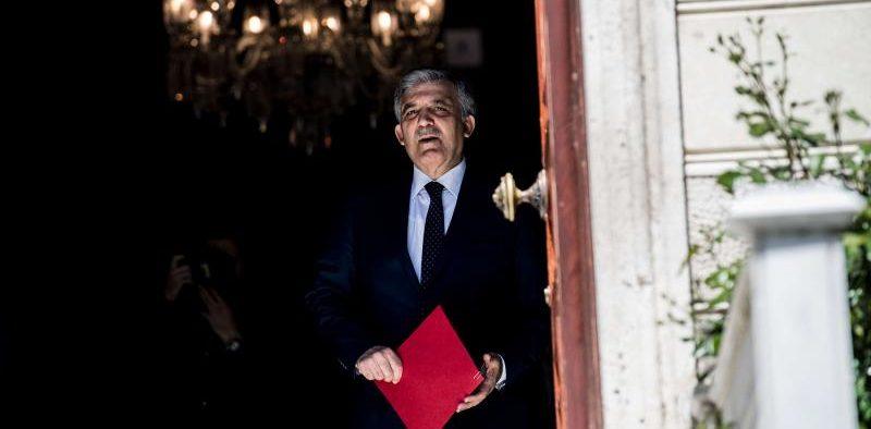 Ισχυρό μήνυμα του πρώην Προέδρου της Τουρκίας Abdullah Gul εναντίον του Erdogan