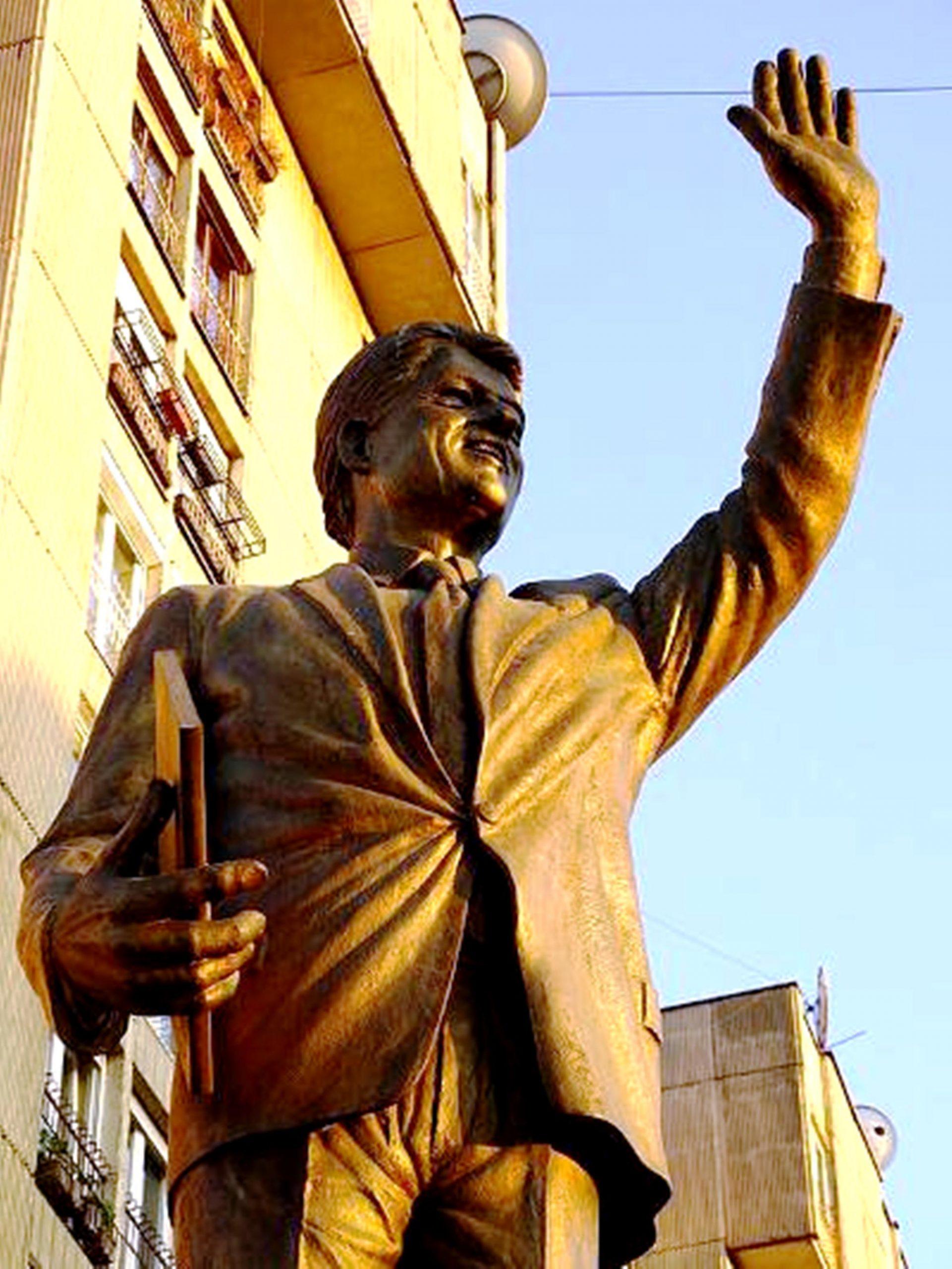 Τις Κακουργίες του Μπιλ Κλίντον στην Σερβία Εκθέτει Νέο Κατηγορητήριο.