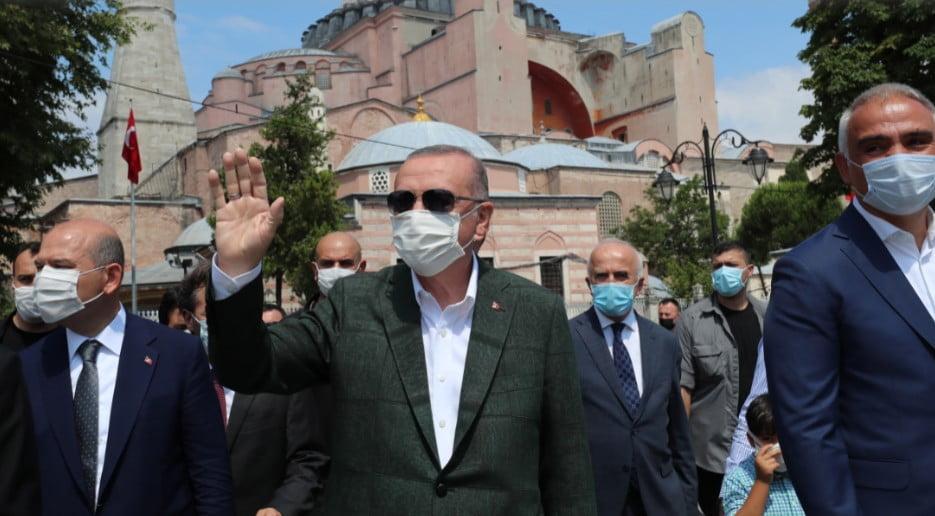 Εθνικιστικές κορώνες Ερντογάν για Αγιά Σοφιά: «Γινόμαστε μάρτυρες της αναγέννησης του έθνους μας»